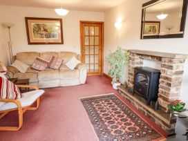 3 Springhaven - Whitby & North Yorkshire - 1057353 - thumbnail photo 2