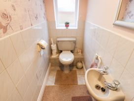 3 Springhaven - Whitby & North Yorkshire - 1057353 - thumbnail photo 12