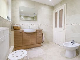 3 Springhaven - Whitby & North Yorkshire - 1057353 - thumbnail photo 14