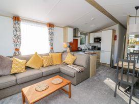 Milkwood Lodge - Mid Wales - 1057424 - thumbnail photo 6