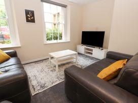 Apartment 2 - North Wales - 1057595 - thumbnail photo 1