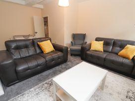Apartment 2 - North Wales - 1057595 - thumbnail photo 4