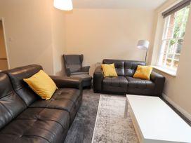 Apartment 2 - North Wales - 1057595 - thumbnail photo 5