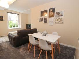 Apartment 2 - North Wales - 1057595 - thumbnail photo 9