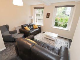 Apartment 2 - North Wales - 1057595 - thumbnail photo 8