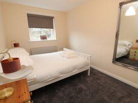 Apartment 2 - North Wales - 1057595 - thumbnail photo 16