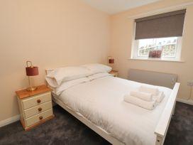 Apartment 2 - North Wales - 1057595 - thumbnail photo 17