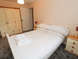 Apartment 2 - North Wales - 1057595 - thumbnail photo 18