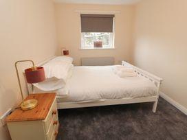 Apartment 2 - North Wales - 1057595 - thumbnail photo 19