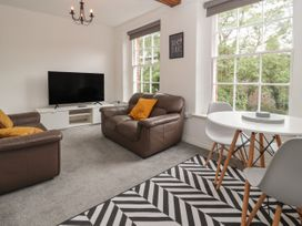 Apartment 7 - North Wales - 1057596 - thumbnail photo 5