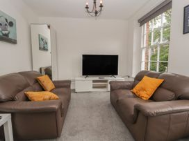 Apartment 7 - North Wales - 1057596 - thumbnail photo 3