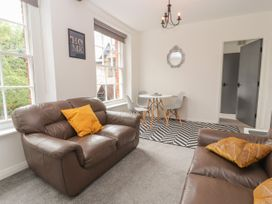 Apartment 7 - North Wales - 1057596 - thumbnail photo 4