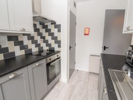 Apartment 7 - North Wales - 1057596 - thumbnail photo 9