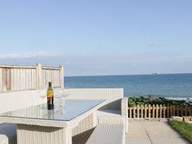The Beach House - Dorset - 1057718 - thumbnail photo 44