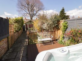 Heath Cottage - Cotswolds - 1057905 - thumbnail photo 19
