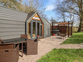 Willow Lodge - Cotswolds - 1057944 - thumbnail photo 2