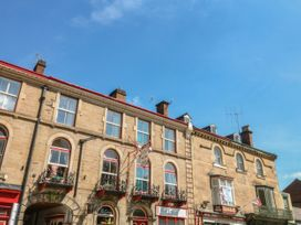 George Centre Apartment 5 - Peak District - 1057965 - thumbnail photo 2