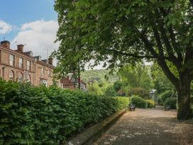 George Centre Apartment 5 - Peak District - 1057965 - thumbnail photo 14