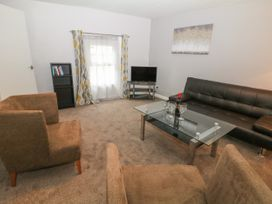 George Centre Apartment 5 - Peak District - 1057965 - thumbnail photo 4