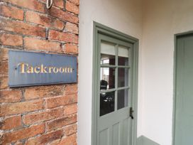 The Tack Room - Cotswolds - 1057990 - thumbnail photo 2