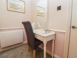 The Tack Room - Cotswolds - 1057990 - thumbnail photo 14