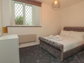 Apartment 3 - North Wales - 1058120 - thumbnail photo 14