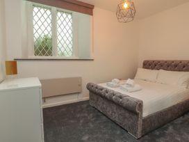 Apartment 3 - North Wales - 1058120 - thumbnail photo 13