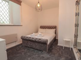 Apartment 3 - North Wales - 1058120 - thumbnail photo 15