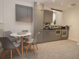 Apartment 3 - North Wales - 1058120 - thumbnail photo 8