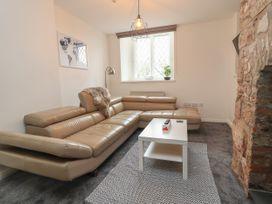 Apartment 3 - North Wales - 1058120 - thumbnail photo 3