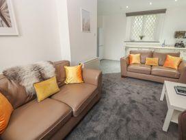 Apartment 4 - North Wales - 1058121 - thumbnail photo 4