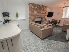 Apartment 4 - North Wales - 1058121 - thumbnail photo 8
