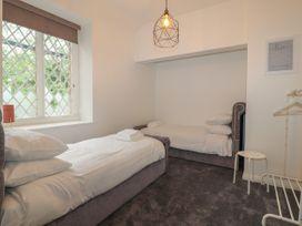 Apartment 9 - North Wales - 1058122 - thumbnail photo 13