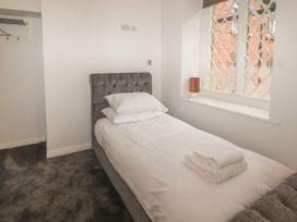 Apartment 9 - North Wales - 1058122 - thumbnail photo 14