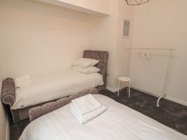 Apartment 9 - North Wales - 1058122 - thumbnail photo 15