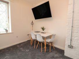 Apartment 9 - North Wales - 1058122 - thumbnail photo 4