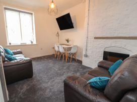 Apartment 9 - North Wales - 1058122 - thumbnail photo 3