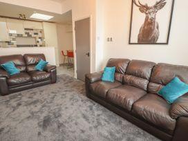 Apartment 9 - North Wales - 1058122 - thumbnail photo 5