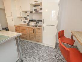 Apartment 9 - North Wales - 1058122 - thumbnail photo 8