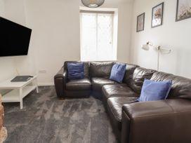 Apartment 10 - North Wales - 1058123 - thumbnail photo 3