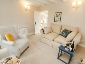 Lily Cottage - North Yorkshire (incl. Whitby) - 1058572 - thumbnail photo 3