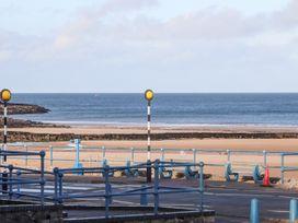 Steps Away... - Anglesey - 1058588 - thumbnail photo 28