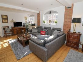 The Loft - Cotswolds - 1058864 - thumbnail photo 3
