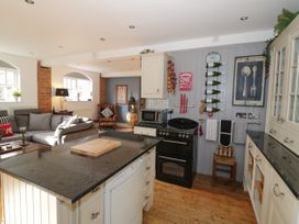 The Loft - Cotswolds - 1058864 - thumbnail photo 9