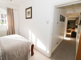 The Loft - Cotswolds - 1058864 - thumbnail photo 20
