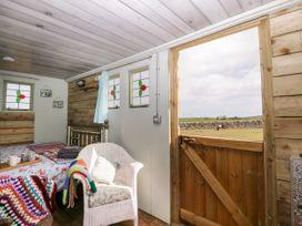 Ketburn Shepherds Hut - Scottish Lowlands - 1058902 - thumbnail photo 7