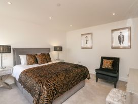 Harbourside Haven Apartment 1 - Dorset - 1059262 - thumbnail photo 11