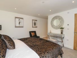 Harbourside Haven Apartment 1 - Dorset - 1059262 - thumbnail photo 12