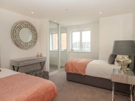 Harbourside Haven Apartment 1 - Dorset - 1059262 - thumbnail photo 15