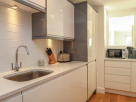 Harbourside Haven Apartment 2 - Dorset - 1059263 - thumbnail photo 9